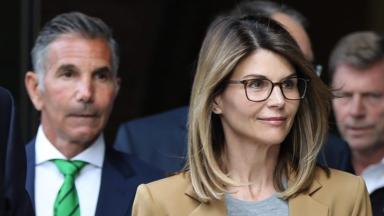 "Lori Loughlin ""stressed"" Musimo Giannoli's husband in prison: report"