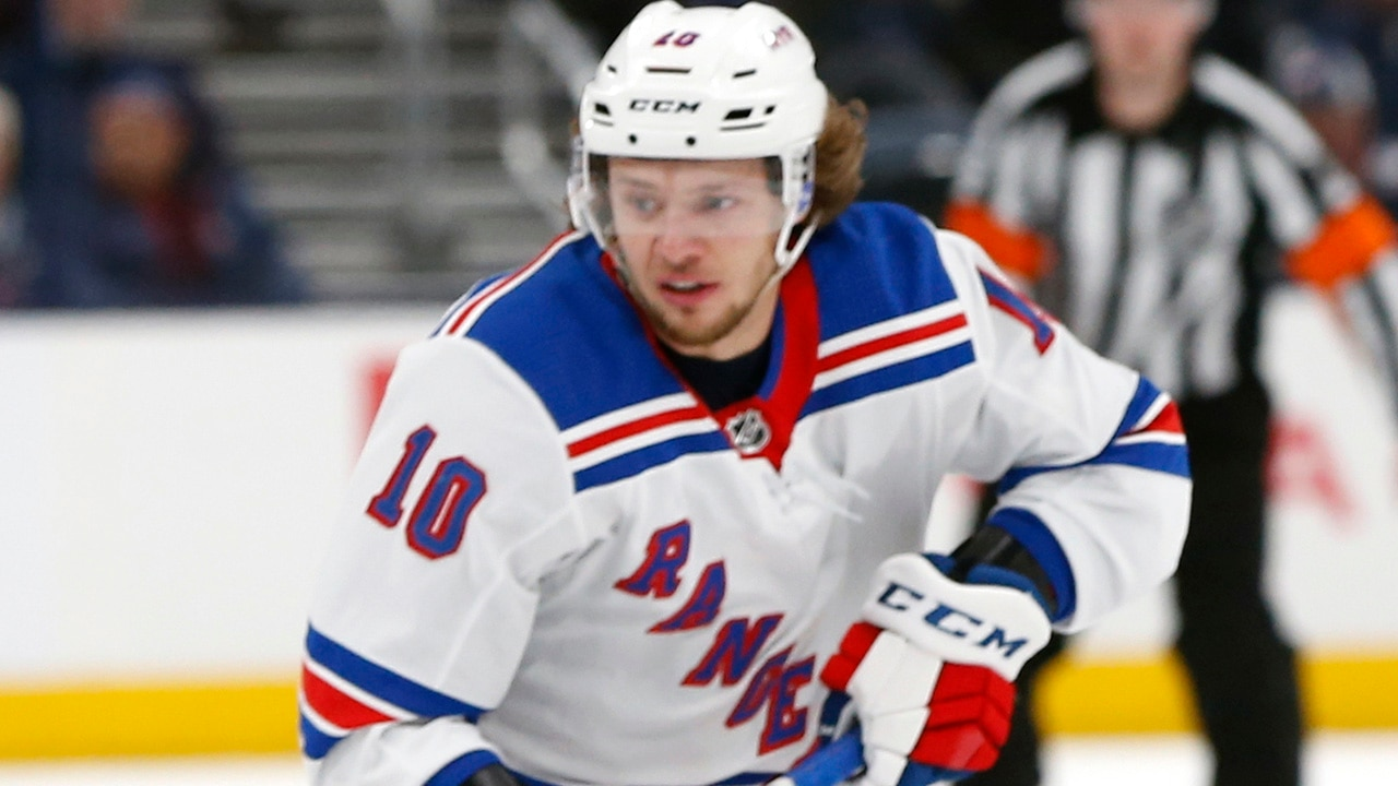 Putin's critic finds support from NHL superstar Artemi Panarin on social media